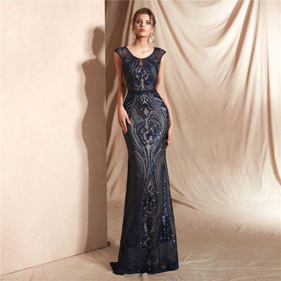 Elegante Marineblau Durchsichtige Spitze Abendkleider 2020 Meerjungfrau Rundhalsausschnitt Ärmellos Pailletten Lange Rüschen Festliche Kleider