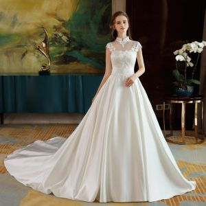 Chinese style Satin Wedding Dresses 2017 A-Line / Princess Backless High Neck Short Sleeve Appliques White Lace