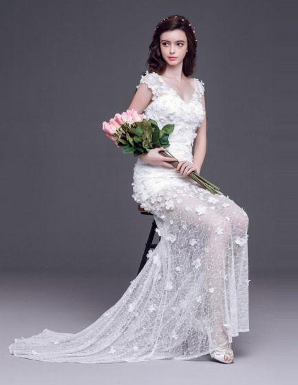 2015 Shortmini V Neck Handmade Lace Flowers Court Train Transparent Wedding Dress