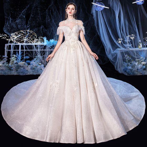 Vintage Elfenben Brud Bröllopsklänningar 2020 Balklänning Hög Hals Korta ärm Halterneck Appliqués Spets Beading Glittriga / Glitter Tyll Cathedral Train Ruffle