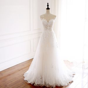 Chic / Beautiful Champagne Wedding Dresses 2018 A-Line / Princess Appliques Lace Scoop Neck Sleeveless Sweep Train Wedding