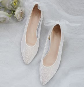 Classy Ivory Wedding Shoes 2020 Tulle Lace Flat Pointed Toe Wedding Heels