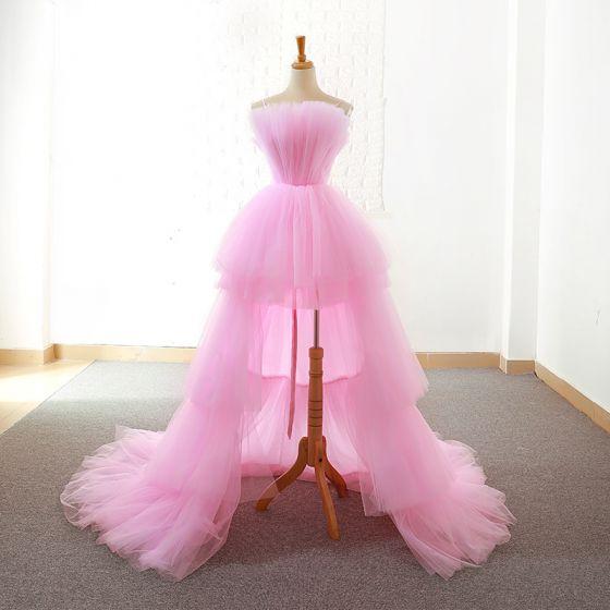 Unique Hohes Niedriges Pink Abendkleider 2018 A Linie Spaghettiträger Ärmellos Asymmetrisch Rüschen Rückenfreies Festliche Kleider