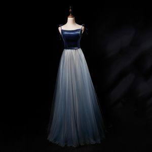 Chic / Belle Bleu Marine Dégradé De Couleur Daim Robe De Soirée 2019 Princesse Bretelles Spaghetti Sans Manches Ceinture Longue Volants Dos Nu Robe De Ceremonie