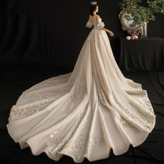 Luxury / Gorgeous Champagne Wedding Dresses 2019 A-Line / Princess Off-The-Shoulder Bell sleeves Backless Appliques Lace Sequins Beading Tassel Cathedral Train Ruffle