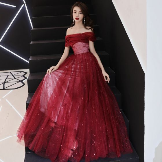 Bling Bling Bourgogne Selskabskjoler 2019 Prinsesse Off-The-Shoulder Kort Ærme Glitter Tulle Lange Flæse Halterneck Kjoler