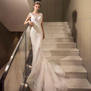 Erschwinglich Brautkleider 2017 Weiß Mermaid Kapelle-Schleppe Ärmellos Rückenfreies Rundhalsausschnitt Mit Spitze Applikationen Pailletten