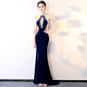 Sexy Royal Blue Suede Evening Dresses  2018 Trumpet / Mermaid Beading Halter Sleeveless Rhinestone Sweep Train Backless Formal Dresses