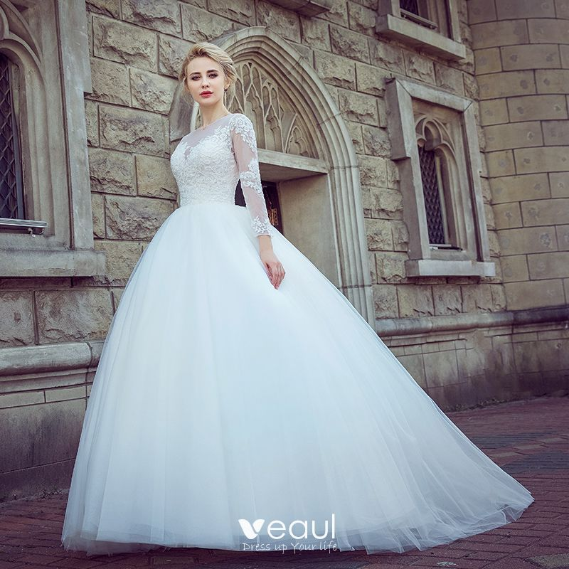 Chic Beautiful White Pierced Wedding Dresses 2017 Ball Gown Scoop Neck Long Sleeve Appliques Lace Court Train