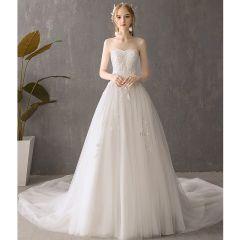 Discount Ivory Wedding Dresses 2019 A-Line / Princess Sweetheart Sleeveless Backless Appliques Lace Chapel Train Ruffle