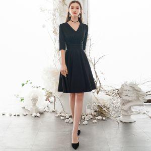 Vintage / Retro Modest / Simple Solid Color Black Homecoming Graduation Dresses 2020 A-Line / Princess V-Neck 1/2 Sleeves Knee-Length Formal Dresses