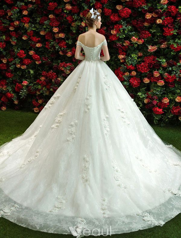 Elegant Wedding Dresses 2017 Off The Shoulder Ruffle Tulle Applique Lace Flowers Bridal Gowns With Train