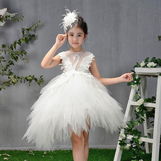 Mode Weiß Durchsichtige Geburtstag Blumenmädchenkleider 2020 Ballkleid Rundhalsausschnitt Ärmellos Perlenstickerei Asymmetrisch Fallende Rüsche