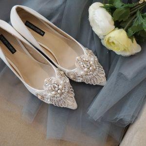Mode Ivory / Creme Handgefertigt Brautschuhe 2020 Perle Strass Spitze Blumen 10 cm Stilettos Spitzschuh Hochzeit Pumps