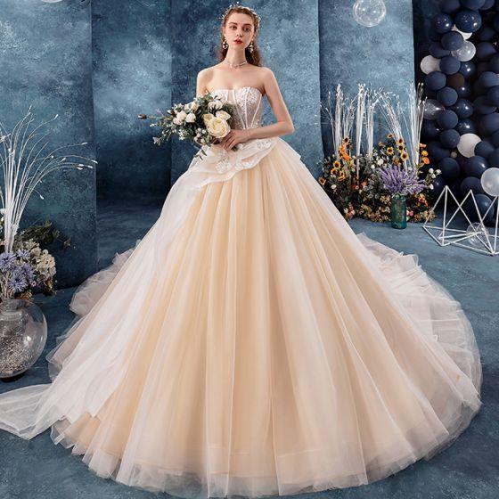 Uroczy Szampan Suknie Ślubne 2019 Suknia Balowa Kochanie Bez Rękawów Bez Pleców Aplikacje Z Koronki Perła Trenem Kaplica Wzburzyć