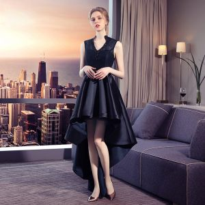 Chic / Beautiful Black Cocktail Dresses 2017 A-Line / Princess Lace V-Neck Beading Embroidered Sleeveless Evening Party Formal Dresses