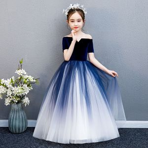 Elegant Navy Blue Gradient-Color Suede Flower Girl Dresses 2019 Ball Gown Off-The-Shoulder Short Sleeve Floor-Length / Long Ruffle Backless Wedding Party Dresses