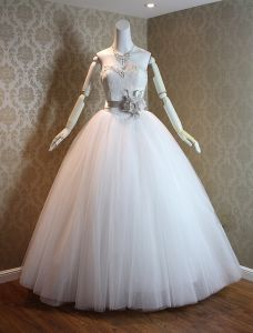 2016 Vintage Ball Gown Sweetheart Floor Length Wedding Dress With Sash Flower