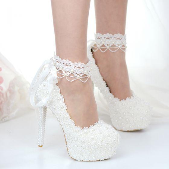 Clásico Marfil Con Encaje Flor Zapatos de novia 2020 Perla 14 cm Stilettos / Tacones De Aguja Punta Redonda Boda Tacones