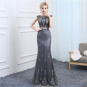 Chic / Beautiful Silver See-through Evening Dresses  2018 Trumpet / Mermaid Scoop Neck Sleeveless Beading Pearl Floor-Length / Long Formal Dresses