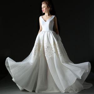 Modern / Fashion Ivory Wedding Dresses 2018 A-Line / Princess V-Neck Sleeveless Backless Ruffle Court Train