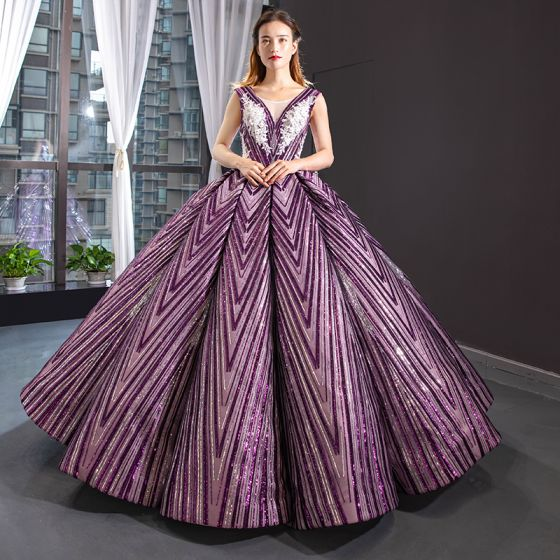 Luxury / Gorgeous Grape Dancing Prom Dresses 2020 Ball Gown See-through V-Neck Sleeveless Appliques Lace Beading Sequins Floor-Length / Long Ruffle Backless Formal Dresses
