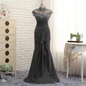 Luxury / Gorgeous Grey Trumpet / Mermaid Mother Of The Bride Dresses 2019 Lace Organza Handmade  Backless Beading High Neck Appliques Sequins Church Sweep Train Wedding Party Dresses