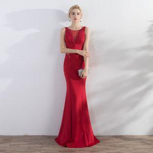 Piękne Czerwone Sukienki Wieczorowe 2017 Syrena / Rozkloszowane Frezowanie Wycięciem Bez Pleców Bez Rękawów Długie Sukienki Wizytowe