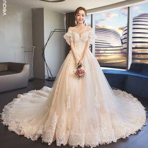 Stilig Champagne Genomskinliga Bröllopsklänningar 2019 Prinsessa Urringning Pösigt Korta ärm Halterneck Appliqués Spets Cathedral Train Ruffle