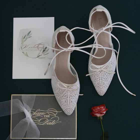 Charming White Lace Flower Wedding Shoes 2020 Bow Ankle Strap 7 cm Stiletto Heels Pointed Toe Wedding Heels
