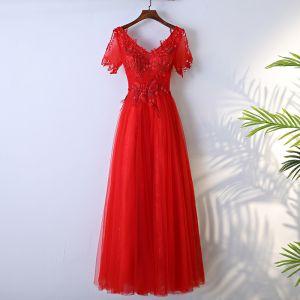 Schöne Rot Festliche Kleider A Linie 2017 Spitze Blumen Rückenfreies Perlenstickerei V-Ausschnitt Kurze Ärmel Lange Abendkleider