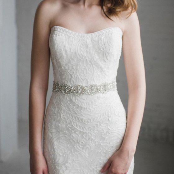 Modern Ivoor Huwelijk Sjerp 2020 Satijn Metaal Kralen Kristal Parel Rhinestone Bruids Gala Accessoires
