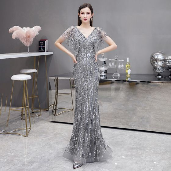 Luxus / Herrlich Grau Abendkleider 2020 Meerjungfrau V-Ausschnitt Kurze Ärmel Pailletten Perlenstickerei Sweep / Pinsel Zug Rückenfreies Festliche Kleider