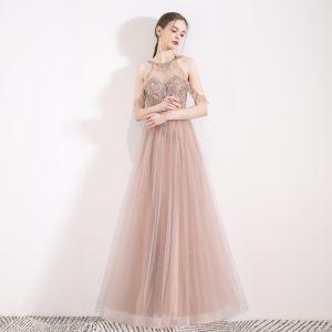 Fabelhaft Pearl Rosa Durchsichtige Abendkleider 2019 A Linie Neckholder Kurze Ärmel Perlenstickerei Perle Strass Lange Rüschen Rückenfreies Festliche Kleider