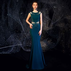 Élégant Bleu D'encre Robe De Soirée 2019 Trompette / Sirène Encolure Dégagée Sans Manches Perlage Longue Volants Robe De Ceremonie