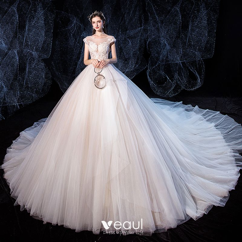 High End Ivory Wedding Dresses 2020 Ball Gown Scoop Neck Beading Lace Flower Sleeveless Backless Royal Train