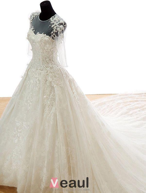 2015 Flower Serie · Shoulders Scoop Neck Appliques Lace Royal Train Wedding Dress