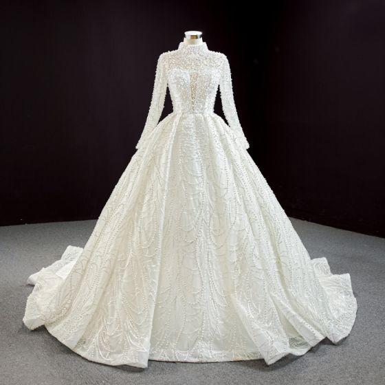 Luxus / Herrlich High End Ivory / Creme Hochzeits Brautkleider / Hochzeitskleider 2020 Ballkleid Stehkragen Lange Ärmel Rückenfreies Handgefertigt Perle Kathedrale Schleppe