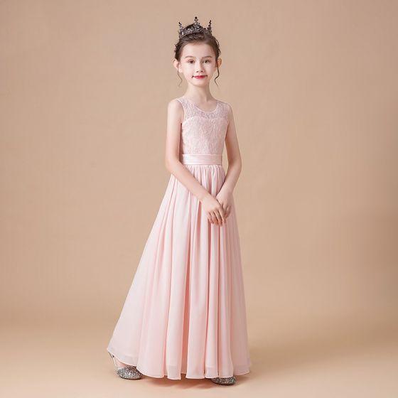 Eleganckie Różowy Perłowy Szyfon Ślub Sukienki Dla Dziewczynek 2020 Otoczka / Nadające Wycięciem Bez Rękawów Szarfa Długie Wzburzyć