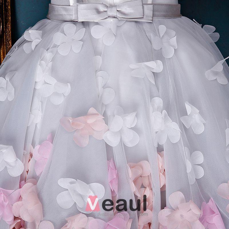 Belle Robe Cocktail D'ivoire Robe Empire Du Parti Asymétrique Avec Des Fleurs Colorées