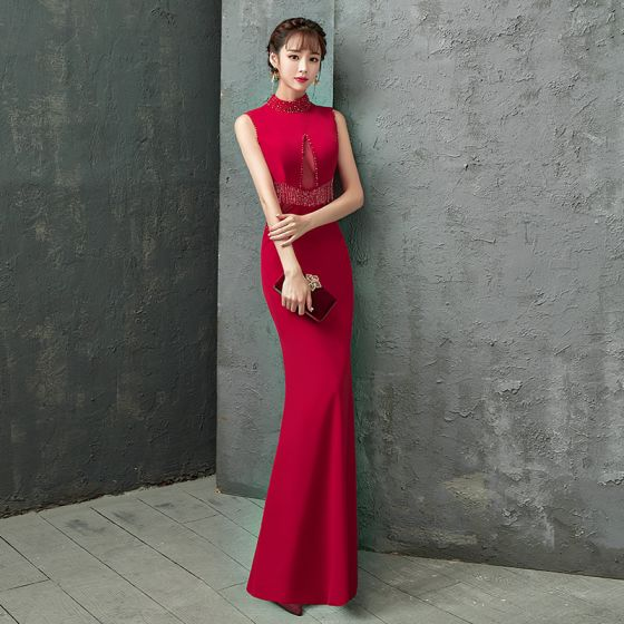 Uroczy Burgund Sukienki Wieczorowe 2019 Syrena / Rozkloszowane Wysokiej Szyi Frezowanie Kryształ Kutas Bez Rękawów Długie Sukienki Wizytowe