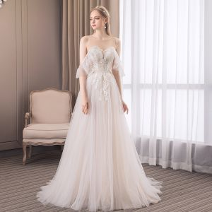 Chic / Beautiful Champagne Beach Wedding Dresses 2018 A-Line / Princess Lace Scoop Neck Backless Sleeveless Sweep Train Wedding