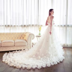 Stunning White Wedding Dresses 2018 A-Line / Princess Sweetheart Sleeveless Backless Appliques Flower Pearl Sash Ruffle Cathedral Train