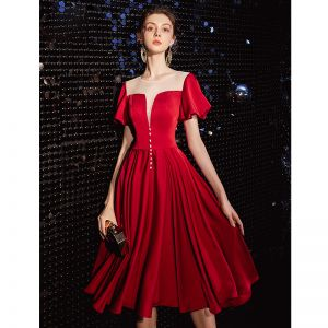 Elegant Burgundy See-through Homecoming Graduation Dresses 2020 A-Line / Princess Scoop Neck Short Sleeve Tea-length Ruffle Formal Dresses