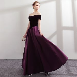 Modest / Simple Grape Bridesmaid Dresses 2018 A-Line / Princess Off-The-Shoulder Short Sleeve Floor-Length / Long Ruffle Backless Wedding Party Dresses