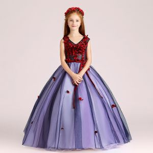 Chic / Beautiful Purple Flower Girl Dresses 2017 Ball Gown V-Neck Sleeveless Appliques Flower Pearl Sash Floor-Length / Long Ruffle Wedding Party Dresses
