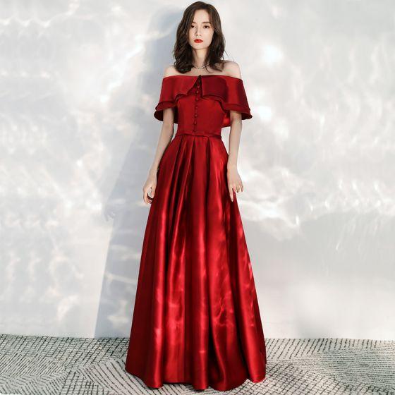 Abordable Rouge Satin Robe De Bal 2020 Princesse De l'épaule Manches Courtes Noeud Ceinture Longue Volants Dos Nu Robe De Ceremonie