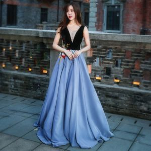 Chic / Beautiful Evening Party Formal Dresses 2017 Evening Dresses  Ocean Blue Black A-Line / Princess Floor-Length / Long V-Neck Sleeveless Backless Embroidered