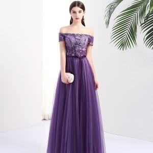 Chic / Beautiful Grape Evening Dresses  2017 A-Line / Princess Off-The-Shoulder Short Sleeve Appliques Lace Rhinestone Sash Floor-Length / Long Backless Formal Dresses