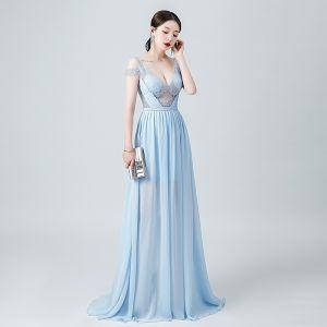 Sexy Himmelblau Chiffon Durchsichtige Abendkleider 2020 A Linie Tiefer V-Ausschnitt Kurze Ärmel Perlenstickerei Lange Rüschen Rückenfreies Festliche Kleider